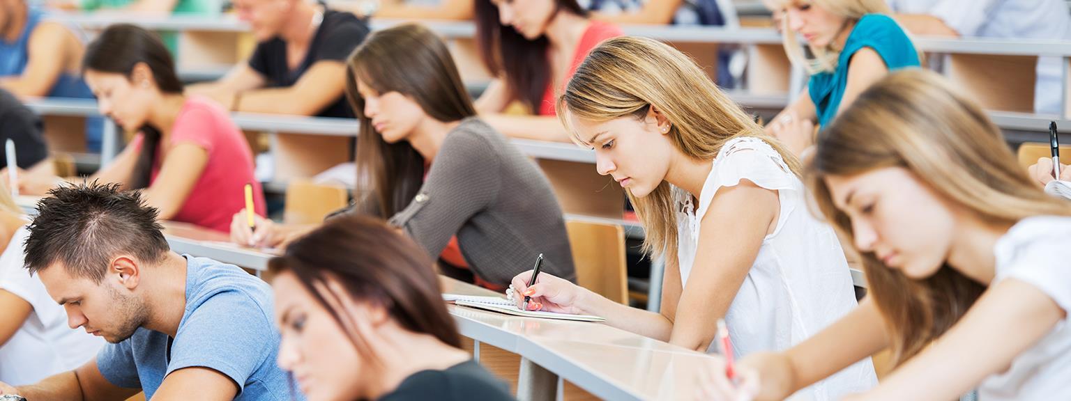"""Результат пошуку зображень за запитом """"У вузах і коледжах Польщі здобувають освіту близько 40 000 українських студентів."""""""